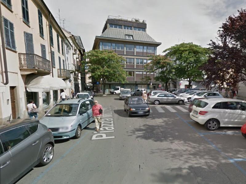 Affittasi NEGOZIO a Vercelli in zona centrale