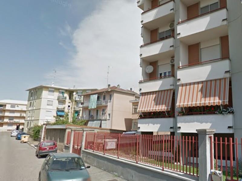 Vendesi Autorimessa in zona semicentrale a Vercelli