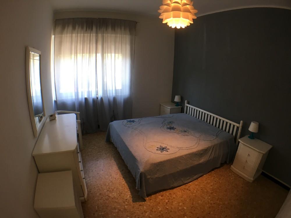 Affittasi alloggio con due camere e servizi ammobiliato
