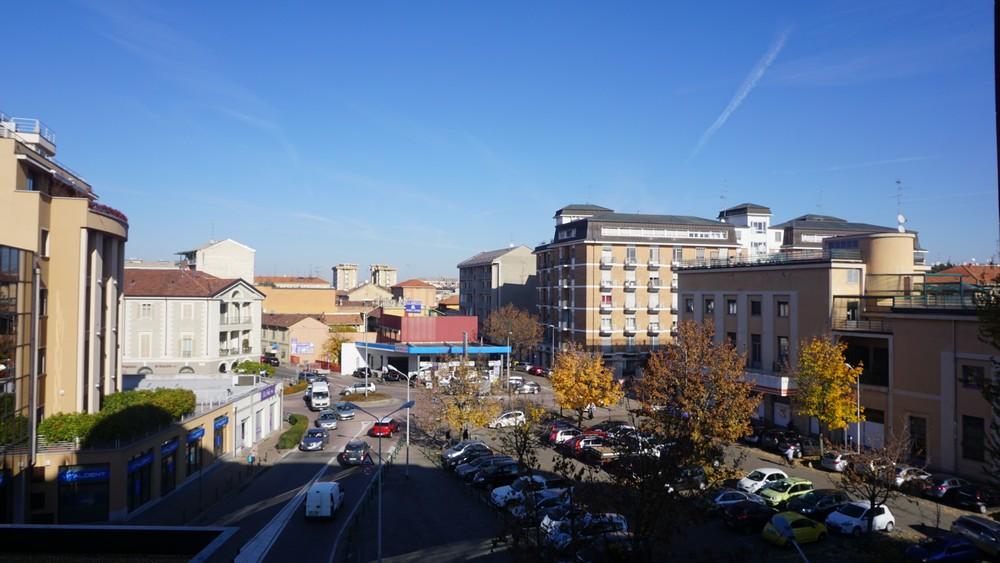 Vendesi a Vercelli ampio alloggio in zona centrale
