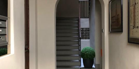 Vendesi ampio alloggio in Centro Storico a Vercelli