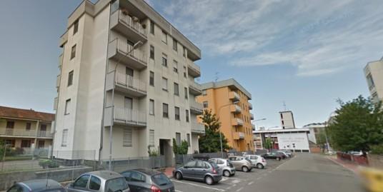 VENDESI a Vercelli appartamento con riscaldamento autonomo