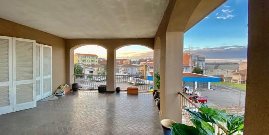 VENDESI alloggio con ampio terrazzo