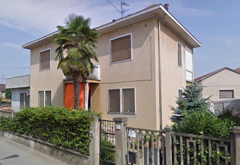 Vendesi casa indipendente a BorgoVercelli